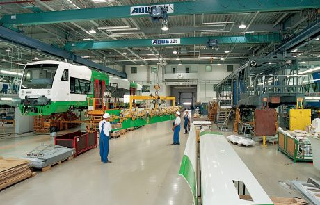 Cranes in Rail Maintenance System4