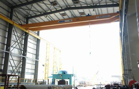 Cranes in Ship Building3