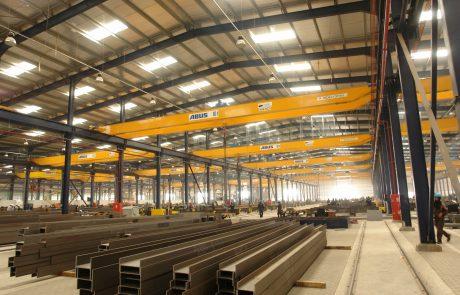 Cranes in Steel Fabrication15