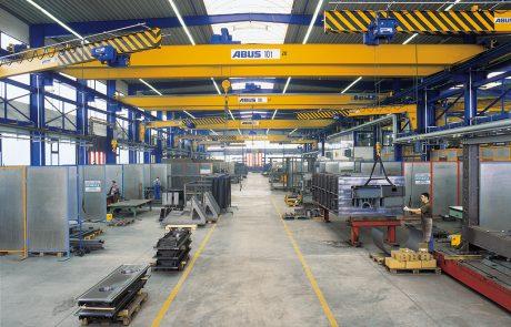 Cranes in Steel Fabrication23