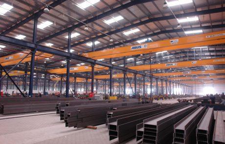 Cranes in Steel Fabrication4