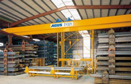 Cranes in Steel Stock Yard10