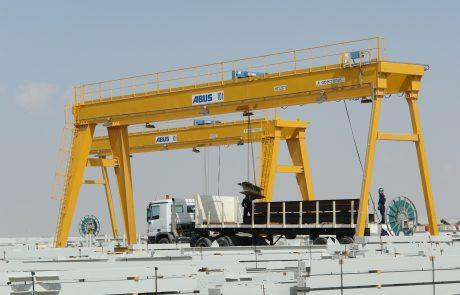 Cranes in Steel Stock Yard5