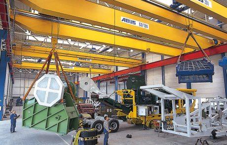 Cranes in Vehicle Workshop6