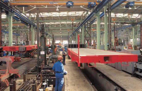 cranes-in-factories2