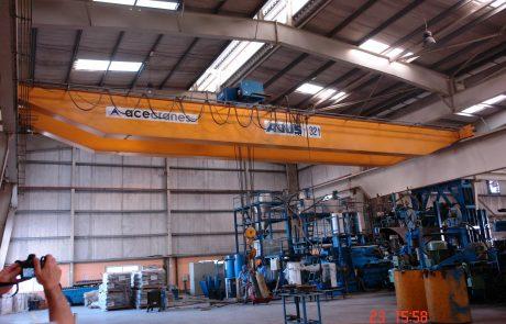 cranes-in-factories4