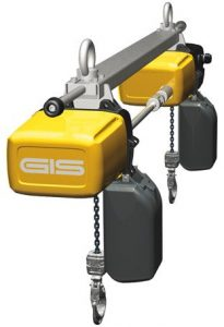 Synchronised electric chain hoist for transportation of large and bulky loads